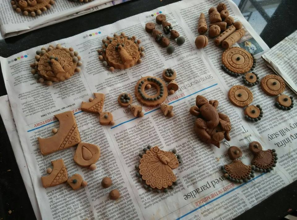 Making of Terracotta Jewelry -3