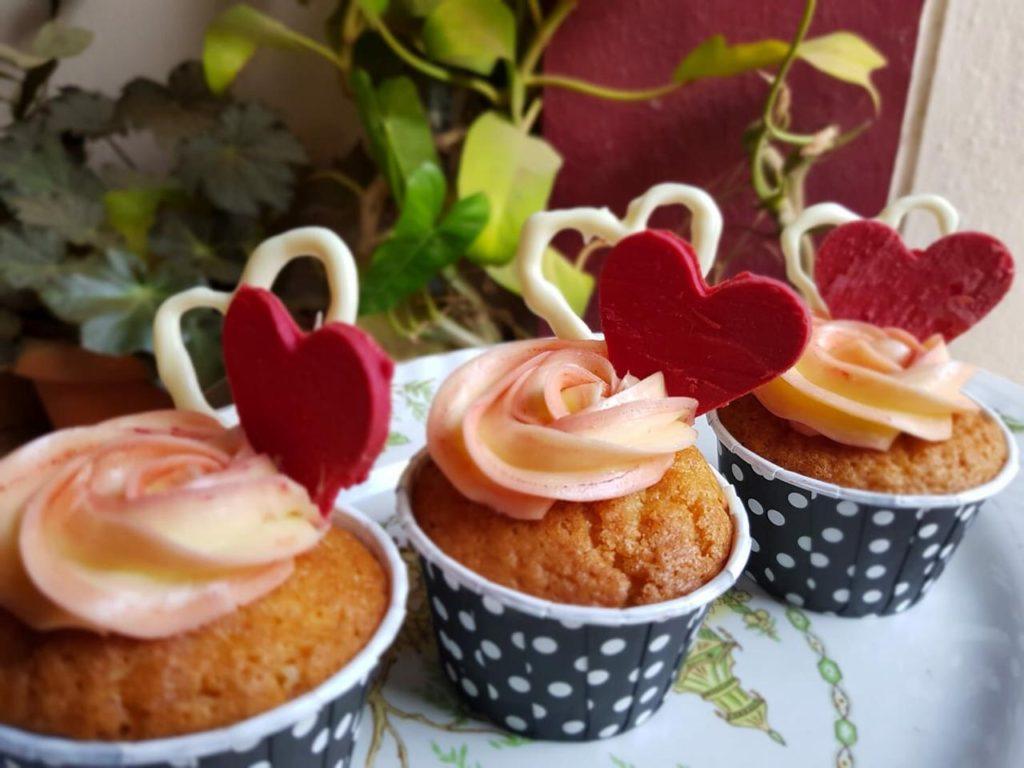 Cupcake baking workshop for kids and moms