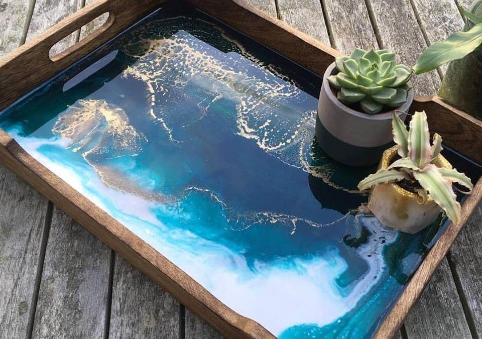 Resin Art on a tray – Beginner workshop